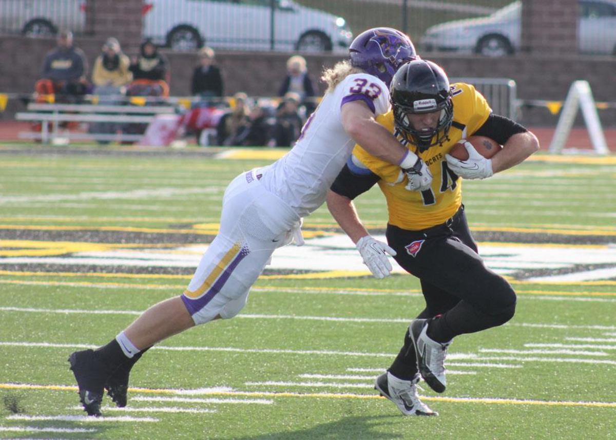 Brian Kent makes one of his five catches over No. 1 Minnesota State-Mankato.