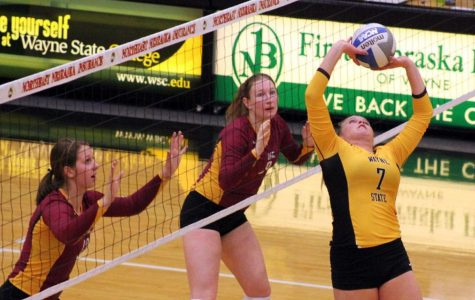 Volleyball wins first round of conference tourney