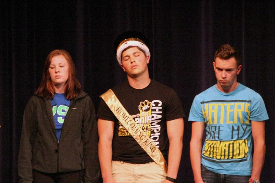Some students were hypnotized by Paul Ramsay during his show last week.