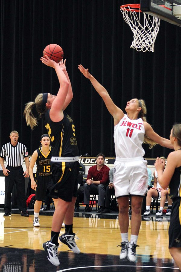 Paige Ballinger taking a jump shot on Saturday's game against William Jewell. The game was hosted by WSC, and the Lady Cats would go on to win the game 80-49.