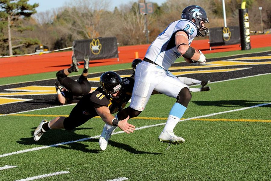 Redshirt freshman Houston Huss goes for the tackle against Upper Iowa on Nov. 7. WSC lost the game 34-31 after double overtime.