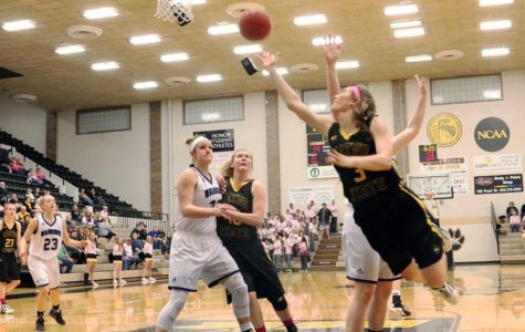 Women's basketball ends season with 24-point win