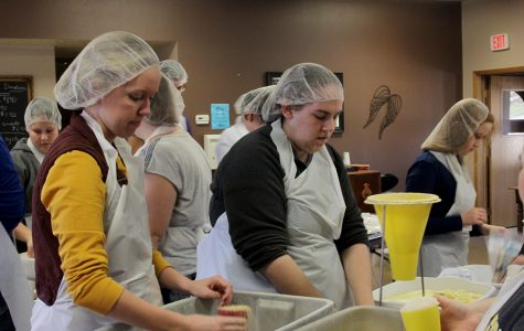 Students package 48,000 meals