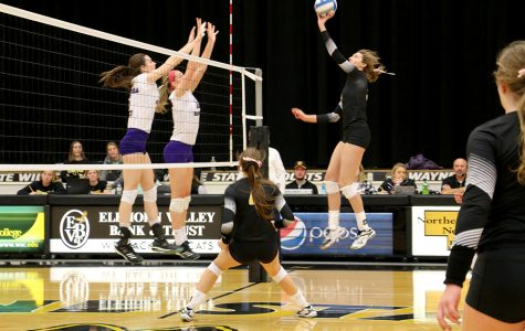 Volleyball takes losses against tough opponents