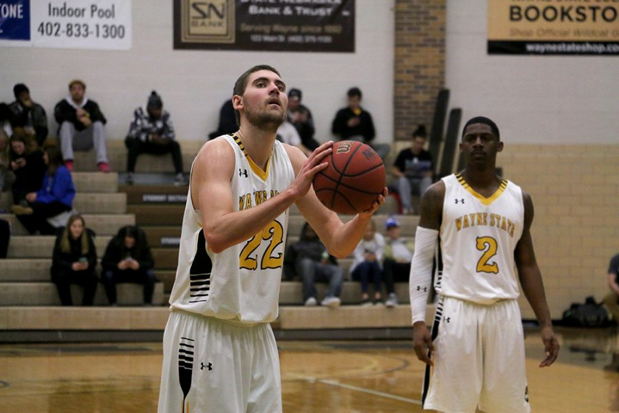 Men's basketball team stays strong despite loss