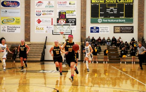 Women's basketball wins, moves to a 22-6 record