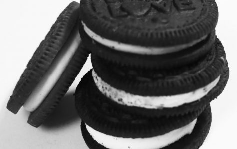 Kori's Food Reviews: Oreos Unite