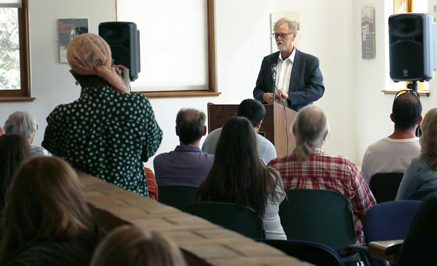 Author+Mark+Sanders+read+from+his+new+book+%E2%80%9CIn+a+Good+Time%E2%80%9D+last+Thursday+in+the+Humanities+lounge.