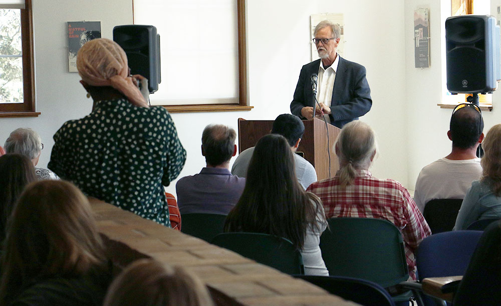 "Author Mark Sanders read from his new book ""In a Good Time"" last Thursday in the Humanities lounge."