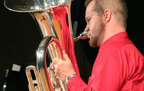 Calkin performs tuba recital