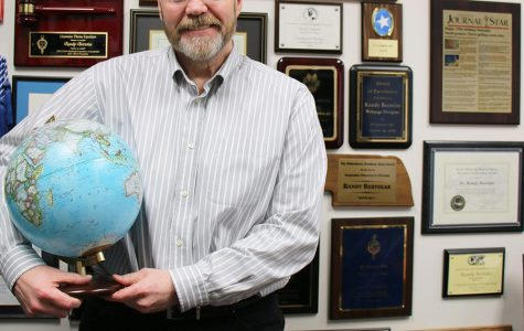 Maps lead WSC professor on teaching journey