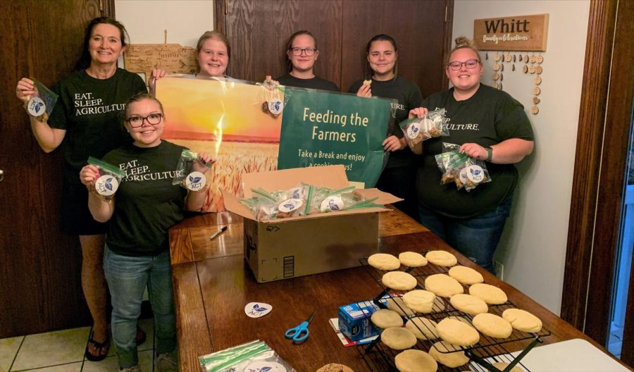 Agriculture Communicators of Tomorrow Clubs service project